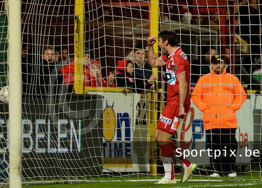 KV Kortrijk - RSC Anderlecht : Stijn De Smet viert de 4-1 <br /> Foto VDB / Bart Vandenbroucke