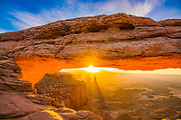 Mesa Arch, Canyonlands National Park, Utah, Sunrise Island in the Sky, Colorado River