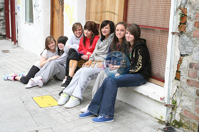 Caoilainn Kavanagh, Caitlin Branigan, Nicole Madden, Fabia Marsella, Charlotte Sullivan, Niamh Corduff and Niamh Larkin at the Open Day at the Old Abbey Dance Studio...Photo NEWSFILE/Jenny Matthews.(Photo credit should read Jenny Matthews/NEWSFILE)....This Picture has been sent you under the condtions enclosed by:.Newsfile Ltd..The Studio,.Millmount Abbey,.Drogheda,.Co Meath..Ireland..Tel: +353(0)41-9871240.Fax: +353(0)41-9871260.GSM: +353(0)86-2500958.email: pictures@newsfile.ie.www.newsfile.ie.FTP: 193.120.102.198.