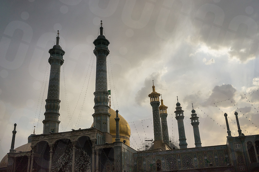 June 11, 2014 - Qom, Iran. A view of the shrine of Hazrat-e Masumeh in Qom, considered the second holiest city in Iran after Mashhad. The shrine is considered one of the most significant Shi'i shrines in Iran. Every year, thousands of Shi'i Muslims travel to Qom to honor Fatima Masumeh and ask her for blessings. © Thomas Cristofoletti / Ruom