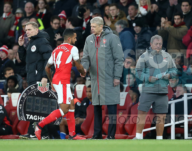 Arsenal's Theo Walcott gets substituted by Arsen Wenger during the Premier League match at the Emirates Stadium, London. Picture date October 26th, 2016 Pic David Klein/Sportimage