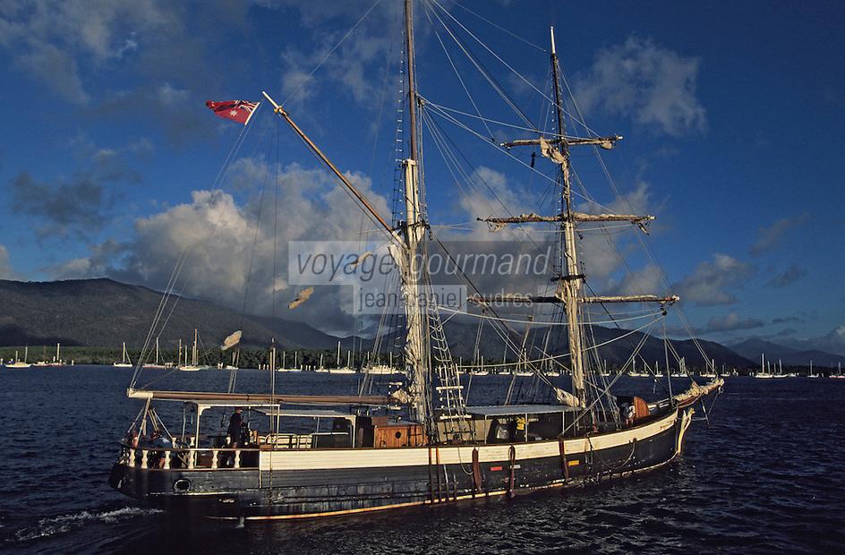 """Océanie/Australie/Queensland/Cairns: La brigantine """"Golden Lover"""" de 1910 dans le port"""