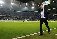 FUSSBALL   1. BUNDESLIGA   SAISON 2011/2012   27. SPIELTAG VfL Wolfsburg - Hamburger SV         23.03.2012 Trainer Thorsten Fink (Hamburger SV) an der Seitenlinie der Volkswagen Arena