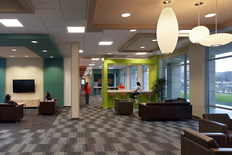 Dormitories and Carillon Place Dining Hall at Bowling Green State University | Design Group and Design Collective (DCI)