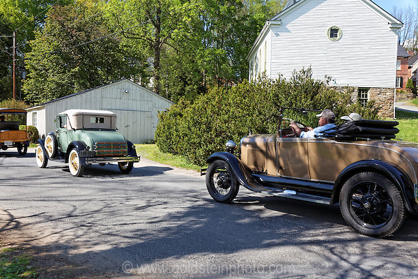 Waterford Virginia shops, homes, and amenities Antique cars