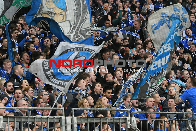 28.04.2017, BayArena, Leverkusen , GER, 1.FBL., Bayer Leverkusen 04 vs. FC Schalke 04<br /> im Bild / picture shows: <br /> Fans, freundlich, Stimmung, farbenfroh, Nationalfarbe, geschminkt, Emotionen,  schalker <br /> <br /> <br /> <br /> Foto &copy; nordphoto / Meuter