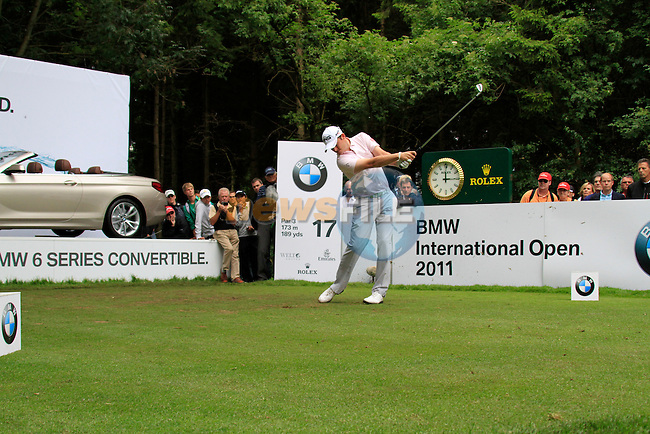 Gary Boyd (ENG) tees off on the par3 17th tee during of Day 3 of the BMW International Open at Golf Club Munchen Eichenried, Germany, 25th June 2011 (Photo Eoin Clarke/www.golffile.ie)