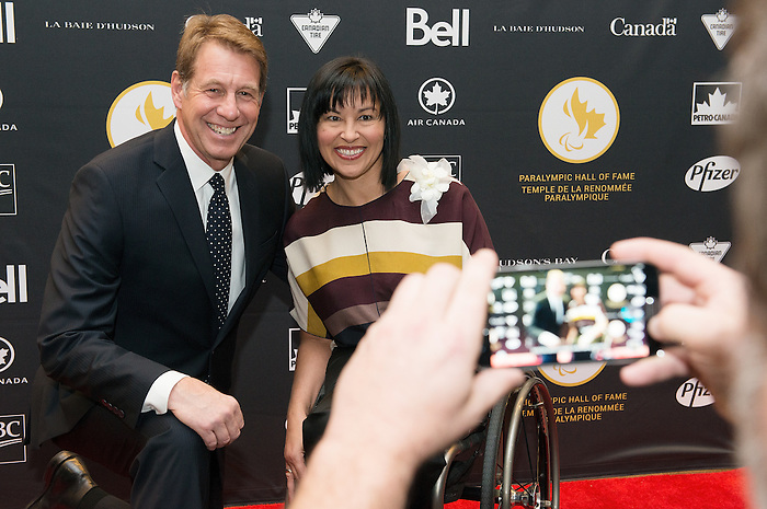 Ottawa, ON &ndash; Nov 27 2015 &ndash; Scott Russell and Chantal Petitclerc at the Canadian Paralympic Hall of Fame<br /> (Photo: Matthew Murnaghan/Canadian Paralympic Committee)