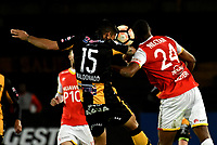 BOGOTA - COLOMBIA – 23 – 05 - 2017: Damir Ceter (Izq.) jugador de Independiente Santa Fe, disputa el balon con Luis Maldonado (Der.) jugador de The Strongest, durante partido entre Independiente Santa Fe de Colombia y The Strongest de Bolivia, de la fase de grupos, grupo 2, fecha 6 por la Copa Conmebol Libertadores Bridgestone 2017, en el estadio Nemesio Camacho El Campin, de la ciudad de Bogota. / Damir Ceter (L) player of Independiente Santa Fe, fights for the ball with Luis Maldonado (R) player of The Strongest during a match between Independiente Santa Fe of Colombia and The Strongest of Bolivia, of the group stage, group 2 of the date 6th, for the Conmebol Copa Libertadores Bridgestone 2017 at the Nemesio Camacho El Campin in Bogota city. VizzorImage / Luis Ramirez / Staff.