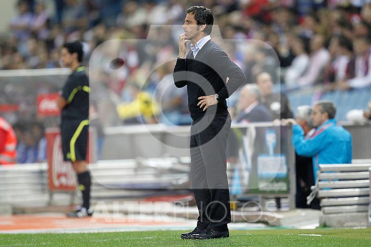 Atletico de Madrid's coach Quique Sanchez Flores during la Liga match, september 26, 2010...Photo: Cesar Cebolla / ALFAQUI