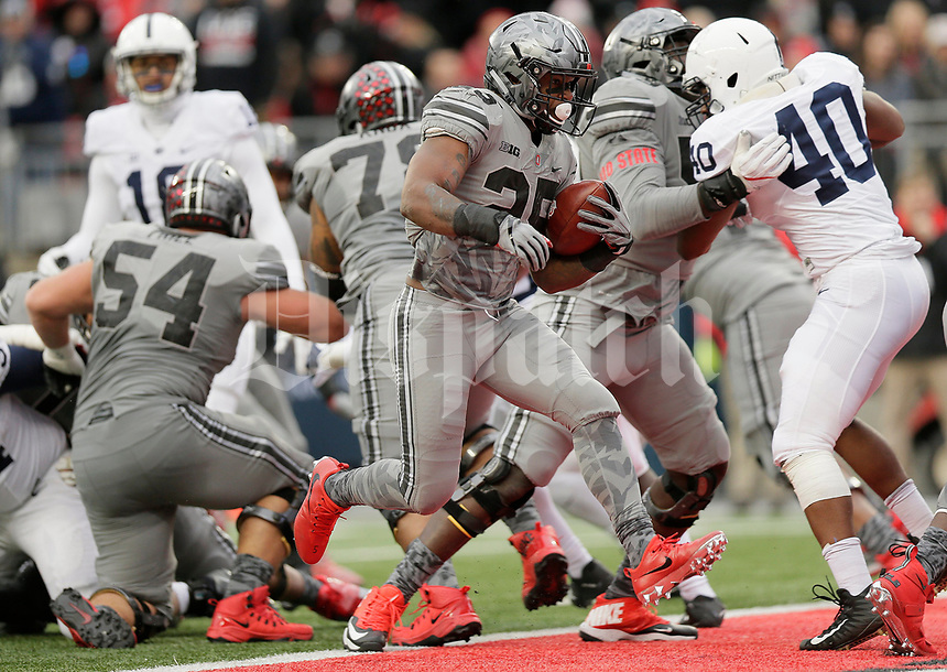 Ohio State Buckeyes running back Mike Weber (25) runs for a 2-yard touchdown during the second quarter of the NCAA football game against the Penn State Nittany Lions at Ohio Stadium in Columbus on Oct. 28, 2017. [Adam Cairns/Dispatch]
