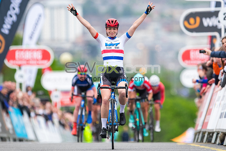 Picture by Alex Whitehead/SWpix.com - 23/05/2017 - Cycling - Tour Series Round 7, Motherwell -  Matrix Fitness Grand Prix - WNT's Eileen Roe celebrates the win.