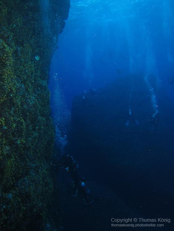 Orchid Island (蘭嶼), Taiwan -- Sea wall at Jichang Waijiao (機場外礁)