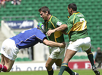 24/05/2002 (Friday).Sport -Rugby Union - London Sevens.South Africa vs France[Mandatory Credit, Peter Spurier/ Intersport Images].