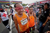Quer&eacute;taro, Qro. 04 Octubre 2015.- En punto de las 7:00 am  inici&oacute; el &quot;Quer&eacute;taro Marat&oacute;n&quot; con las categorias de 42, 21, 10, 5km y paralimpicos. Miles de personas disfrutaron de la activacin fsica donde se vivieron emociones increibles, sudor, lagrimasy experiencias de vida irrepetibles.<br /> <br /> Foto: Victor Pichardo / Obture Press Agency