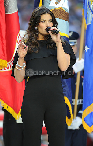 GLENDALE, ARIZONA -  FEBRUARY 1: Idina Menzel performs the National Anthem on the Super Bowl XLIX Pregame Show at University of Phoenix Stadium on February 1, 2015 in Glendale, Arizona. FMPG/MediaPunch