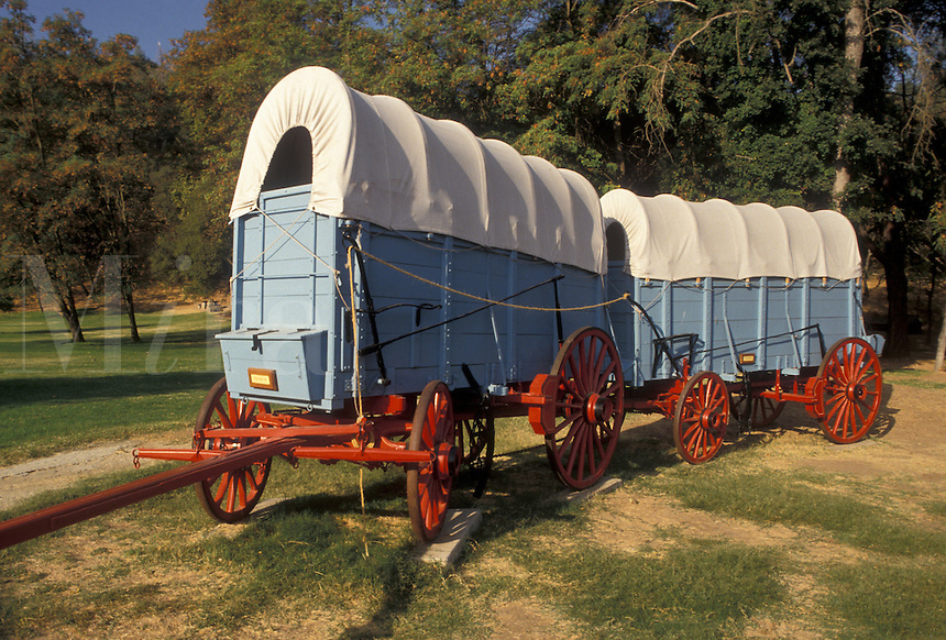 AJ3786, covered wagons, gold rush, gold discovery, gold country, California, Covered wagons displayed at Marshall Gold Discovery State Historic Park in Coloma in the state of California.