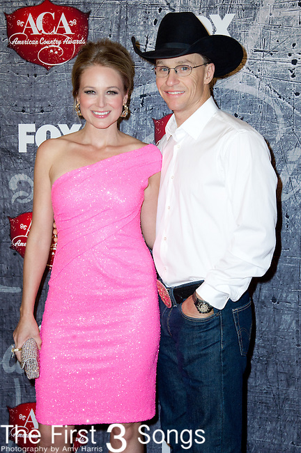 Jewel and Ty Murray arrive at the American Country Awards 2012 at the Mandalay Bay Resort & Casion in Las Vegas, Nevada
