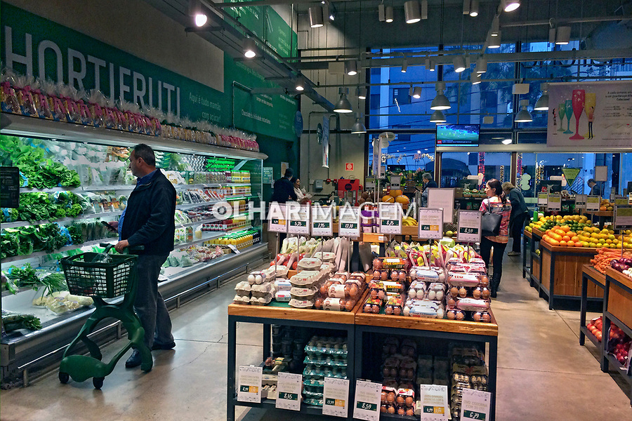 Supermercado SP Marche em Sao Paulo. 2017. Foto de Juca Martins.