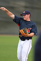 Cleveland Indians Joe Inglett during practice before a Grapefruit League Spring Training game at the Chain of Lakes Complex on March 16, 2007 in Winter Haven, Florida.  (Mike Janes/Four Seam Images)