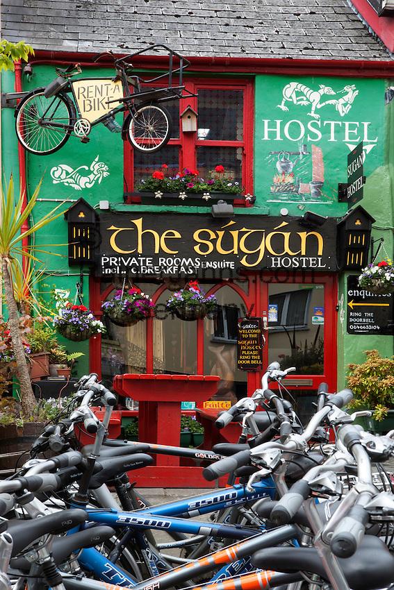 Ireland, County Kerry, Killarney: The Sugan Hostel with bicycles for rent   Irland, County Kerry, Killarney: das Sugan Hostel mit Fahrradverleih