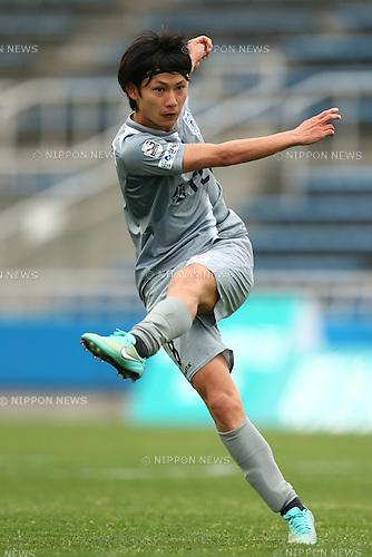 Tatsuya Kumagai (Blaublitz),<br /> APRIL 10, 2016 - Football / Soccer : <br /> 2016 J3 League match between  <br /> Y.S.C.C. Yokohama 1-2 Blaublitz Akita<br /> at NHK SPRING Mitsuzawa Football Stadium, Kanagawa, Japan.<br /> (Photo by Shingo Ito/AFLO SPORT)