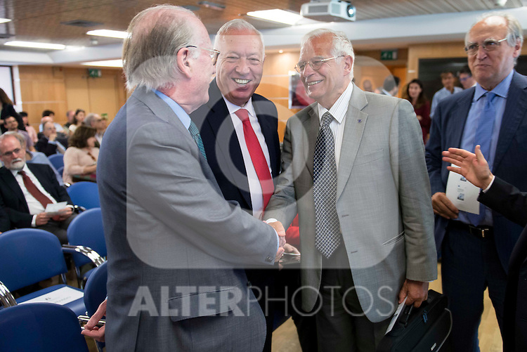 Politic Josep Borrel (R) and politic José Manuel García-Margallo (C) involved in the presentation of the report on the State of the European Union in Madrid. June 02. 2016. (ALTERPHOTOS/Borja B.Hojas)