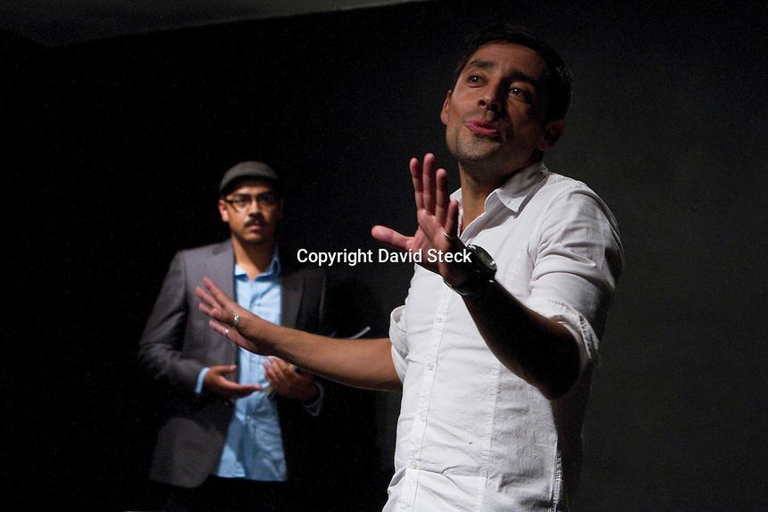Villa Corregidora, Qro. 10 de Octubre, 2014.-  &quot;To Neo Teatro&quot; presenta la obra &quot;Solo con Ella&quot; con una dramaturgia y direcci&oacute;n de Mauricio Alvarez en el Teatro Clandestino Foro G.<br /> <br /> En la pieza, estelarizada por Mauricio Alvarez, Arturo Orutra y Pen&eacute;lope Corral, se habla &quot;sobre amor..desde las diferentes perspectivas de los personajes..&quot; <br /> <br /> Foto: David Steck / Obture