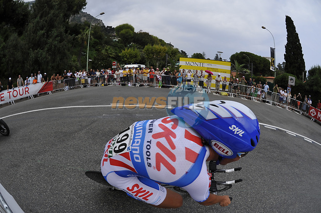 Skil Shimano rider Kenny Robert Van Hummel (HOL) rounds the hairpin during the 1st stage prologue of the 2009 Tour de France in Monaco, 4th July 2009 (Photo by Eoin Clarke/NEWSFILE)