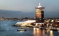 Nederland Amsterdam 2016. De IJ-oever in Amsterdam-Noord. Film Instituut EYE en de A'DAM Toren. Foto Berlinda van Dam / Hollandse Hoogte