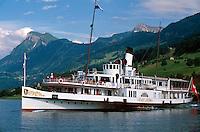 Raddampfer in Buochs am Vierwaldstätter See, Schweiz