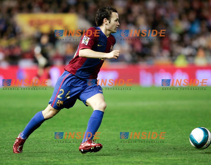 Barcelona`s Andres Iniesta during Spain`s La Liga match between Valencia and Barcelona at Mestalla Stadium in Valencia, Sunday 18 February, 2007, (INSIDE/ALTERPHOTOS/Jose Chavero).