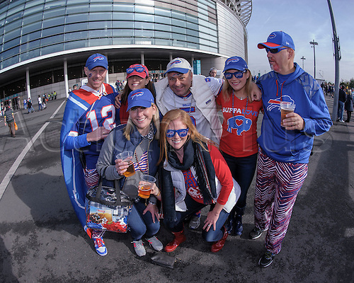25.10.2015. London, England. NFL International Series. Buffalo Bills versus Jacksonville Jaguars. Fans in the Fan Zone prior to the start of the game.