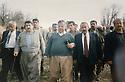 Iraq 1997 .A picnic with Jalal Talabani , second left, Hama haji Mahmoud, third,Jalal Talabani .Irak 1997 .En route pour un pique-nique, 2eme gauche, Hama Haji Mahmoud et a cote de lui, Jalal Talabani