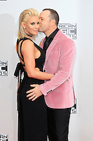 LOS ANGELES - NOV 20: Jenny McCarthy, Donnie Wahlberg at the 2016 American Music Awards at Microsoft Theater on November 20, 2016 in Los Angeles, California