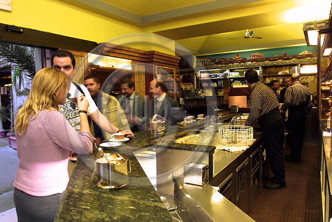 ROME - ITALY - 04 - MAY 2001--The Coffee bar Tazza d Oro, situated close to the Pantheon. -- PHOTO: JUHA ROININEN / EUP-IMAGES