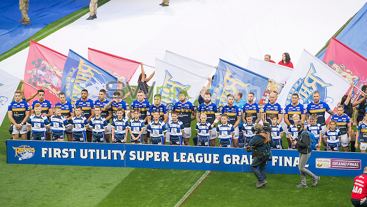 Picture by Allan McKenzie/SWpix.com - 10/10/2015 - Rugby League - First Utility Super League Grand Final - Leeds Rhinos v Wigan Warriors - Old Trafford, Manchester, England - Leeds Rhinos line up with their mascots.