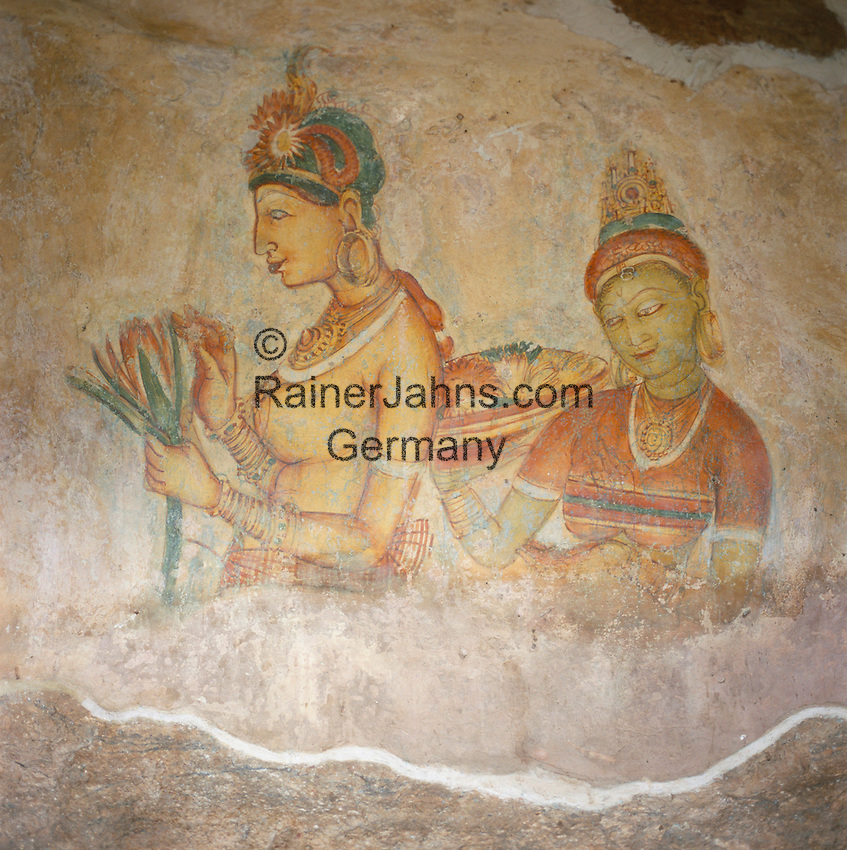 Sri Lanka, Sigiriya: Frescoes - the Sigiriya Damsels (rock Palace), since 1982 UNESCO World Heritage site | Sri Lanka, Sigiriya: Fresken von barbusigen Frauen (Wolkenmaedchen), seit 1982 UNESCO Weltkulturerbe