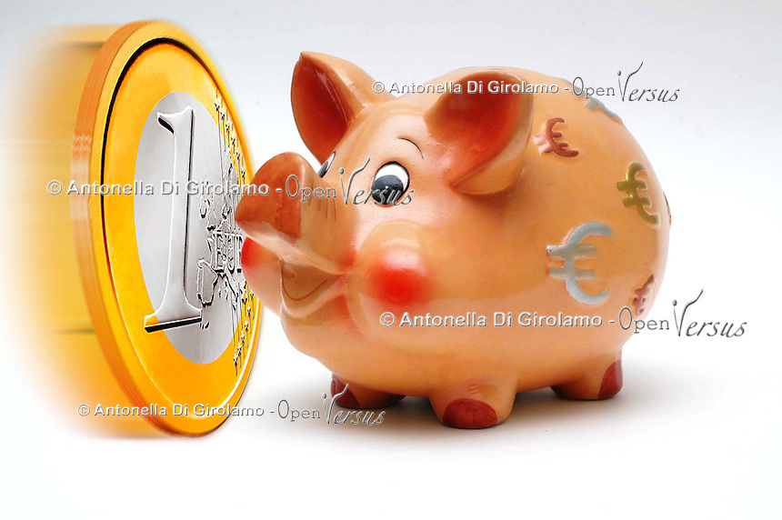 Salvadanai per i risparmi. Savings money box.....