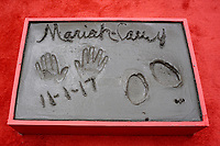 LOS ANGELES - NOV 1:  Mariah Carey prints at the Mariah Carey Hand and Footprint Ceremony at the TCL Chinese Theater IMAX on November 1, 2017 in Los Angeles, CA