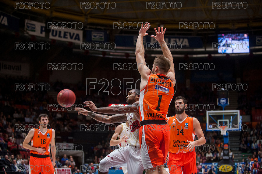 VALENCIA, SPAIN - NOVEMBER 3: Phillip Goss, Jon Stefanson during EUROCUP match between Valencia Basket Club and CAI Zaragozaat Fonteta Stadium on November 3, 2015 in Valencia, Spain
