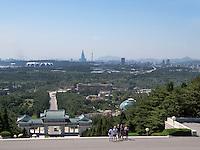 Blick vom Friedhof der Märtyrer der Revolution. Pyongyang, Nordkorea, Asien<br /> View from cemetery of martyrs, Pyongyang, North Korea, Asia