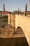 Piedra Bridge and River Ebro with the Seo Cathedral in the background, Zaragoza - Saragossa, Aragon, Spain