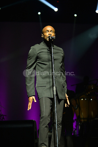 MIAMI, FL - MAY 08: Kem performs onstage at the 3rd Annual Mother's Day Experience at James L Knight Center on May 8, 2016 in Miami, Florida. Credit: MPI10 / MediaPunch