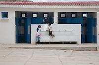 Tunisia, Thala, il dopo rivoluzione: un bambino e una bambina nei bagni della scuola.<br /> TUNISIA after spring revolution, Thala school