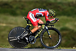 Race leader Red Jersey Simon Yates (GBR) Mitchelton-Scott in action during Stage 16 of the La Vuelta 2018, an individual time trial running 32km from Santillana del Mar to Torrelavega, Spain. 11th September 2018.                    Picture: Colin Flockton | Cyclefile<br /> <br /> <br /> All photos usage must carry mandatory copyright credit (&copy; Cyclefile | Colin Flockton)