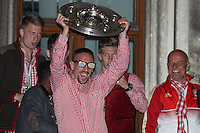 10.05.2014, Marienplatz, Muenchen, GER, 1. FBL, FC Bayern Muenchen Meisterfeier, im Bild Franck Ribery #7 (FC Bayern Muenchen) auf dem Rathausbalkon, haelt die Meisterschale in der Hand // during official Championsparty of Bayern Munich at the Marienplatz in Muenchen, Germany on 2014/05/11. EXPA Pictures © 2014, PhotoCredit: EXPA/ Eibner-Pressefoto/ Kolbert<br /> <br /> *****ATTENTION - OUT of GER***** <br /> Football Calcio 2013/2014<br /> Bundesliga 2013/2014 Bayern Campione Festeggiamenti <br /> Foto Expa / Insidefoto