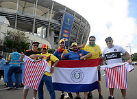 SALVADOR – BRASIL, 23-06-2019:Hinchas del Paraguay antes del partido de la Copa América Brasil 2019, grupo B, entre Colombia y Paraguay jugado en el Arena Fonte Nova de Salvador, Brasil. / Fans of Paraguay before match of the Copa America Brazil 2019 group B match between Colombia and Paraguay played at Fonte Nova Arena in Salvador, Brazil. Photos: VizzorImage / Julian Medina / Cont /