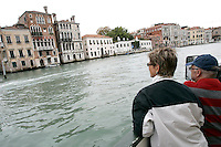 Turisti su un vaporetto lungo il Canal Grande, a Venezia.<br /> Tourists on a vaporetto cruising the Canal Grande in Venice.<br /> UPDATE IMAGES PRESS/Riccardo De Luca