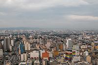 SÃO PAULO, SP, 12.11.2014 - CLIMATEMPO/ SÃO PAULO - Tempo permanece nublado na tarde desta quarta-feira (12), na região central de São Paulo (ao fundo a região da zona norte da cidade). (Foto: Taba Benedicto/ Brazil Photo Press)